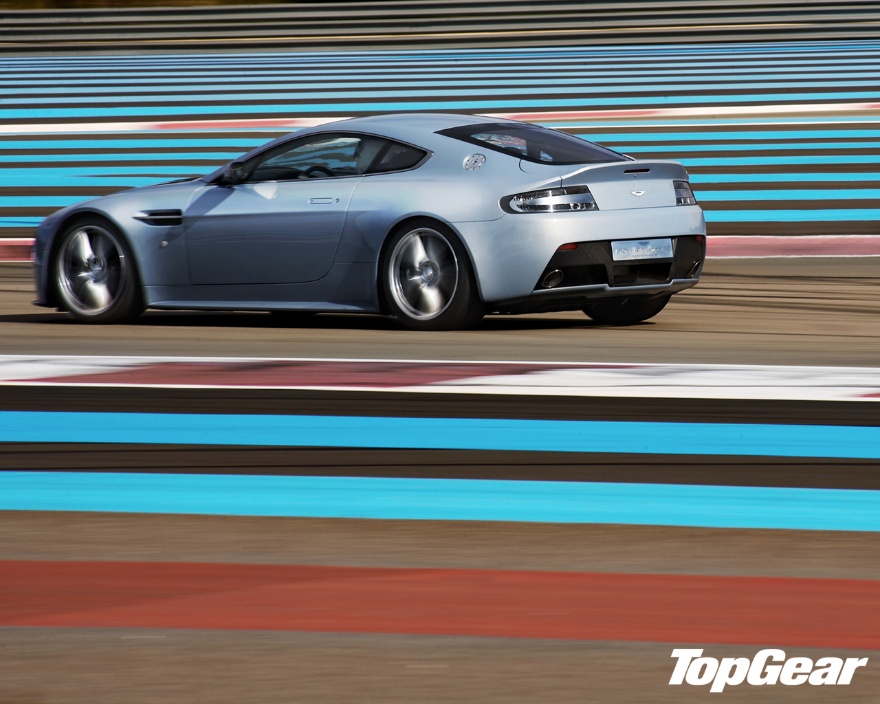Top Gear Wallpapers Aston Martin V12 Vantage At The Paul Ricard Race Track Teamspeed Com
